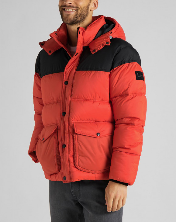 detail PUFFER JACKET POINCIANA