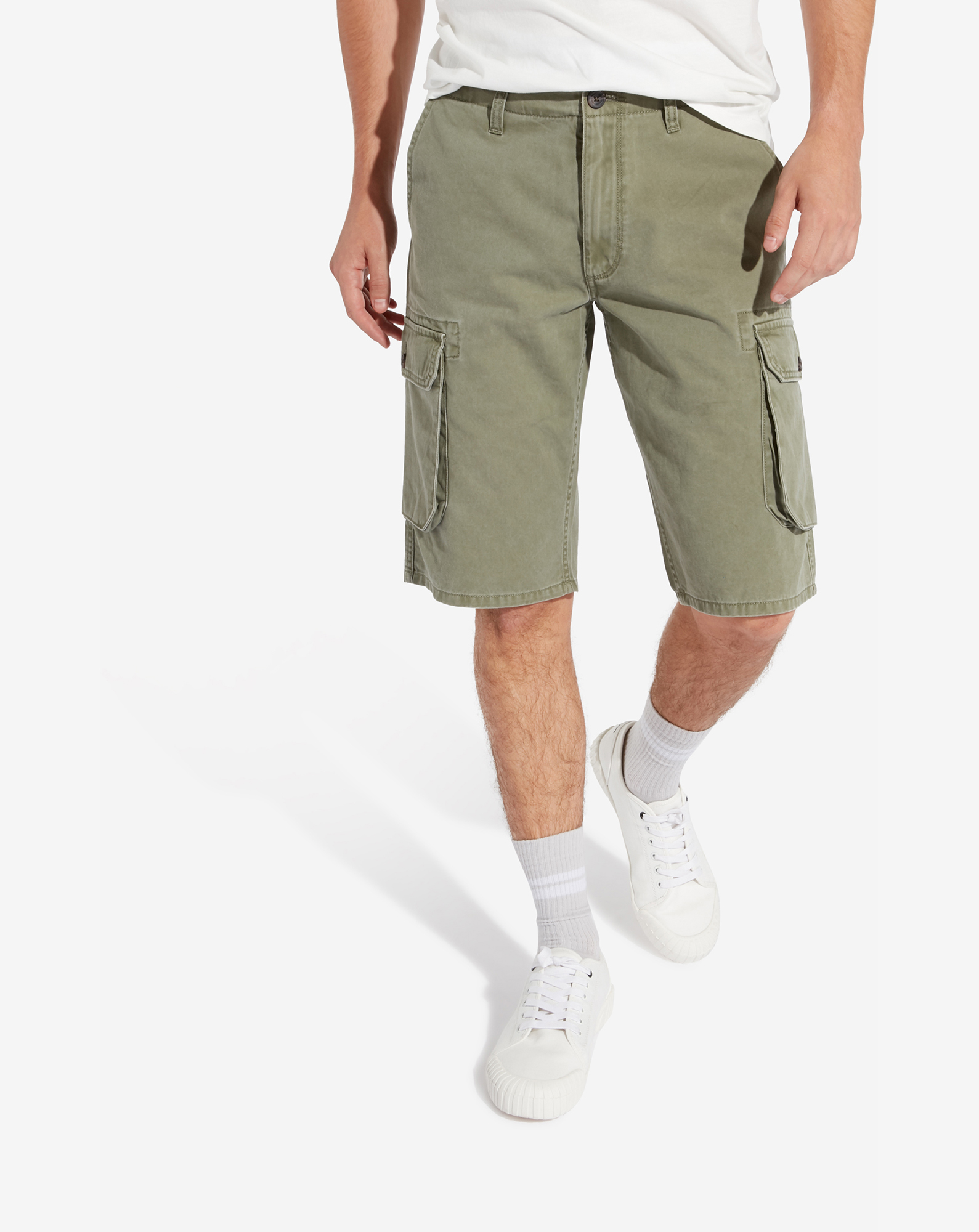 detail CARGO SHORT MOSS GREEN
